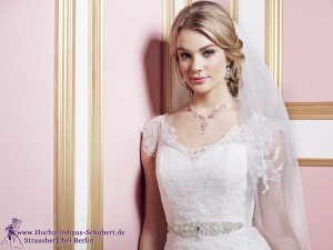 Hochzeitshaus-Schubert-Brautmode-Berlin-Lilly-LILLY_PREVIEW2016_Bridalfashion (7)-026