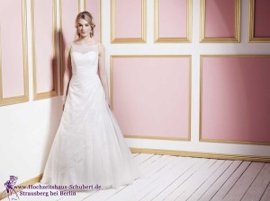 Hochzeitshaus-Schubert-Brautmode-Berlin-Lilly-LILLY_PREVIEW2016_Bridalfashion (9)-027